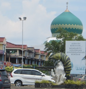 Ya gotta love a town that celebrates the lowly crustacean... I guess they don't have any maritime heroes to honor.  (Tawau, Borneo, Malaysia)